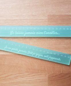 Règle plexiglass couleur personnalisée message positif rentrée trousse