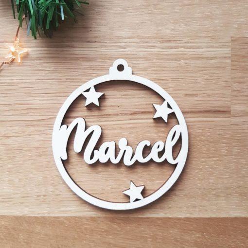 Boule de Noël en bois personnalisée et découpée avec un prénom