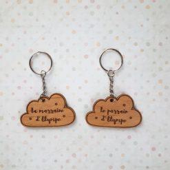 Porte clés en bois en nuage avec étoiles pour marraine parrain papy mamie