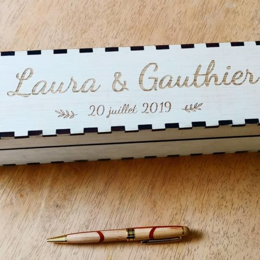 Livre d'or boite en bois avec gravure personnalisée